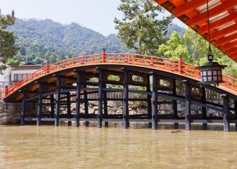 Most svatyně Icukušima, Mijadžima
