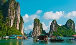 Halong zátoka, Vietnam
